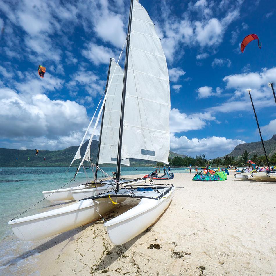 Beach activities in Aruba