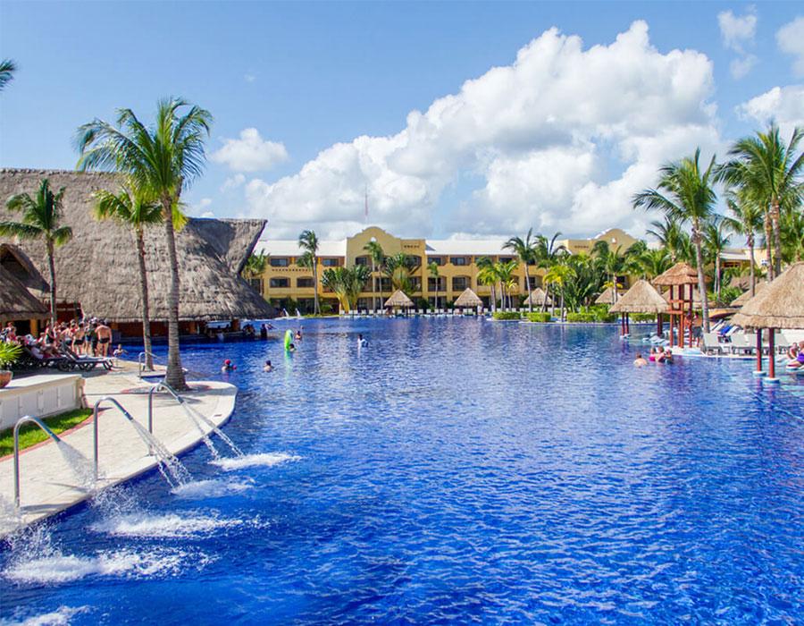 Barcelo Maya Caribe Resort in Riviera Maya