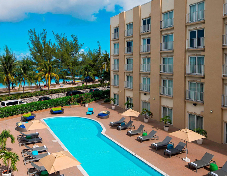 Stay at the Courtyard by Marriott Nassau in the Bahamas